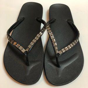 NEW! GAP flip flops